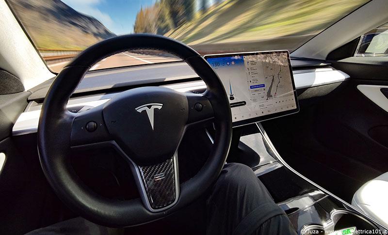 test_tesla_autopilot_avanzato